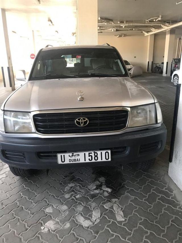 Gaadhi  Toyota Landcruiser iib ah Dubai