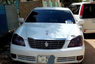 Gaadhi Toyota crown iib ah