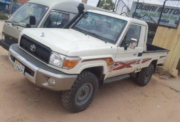 Toyota Landcruiser pick up iib ah Hargeisa