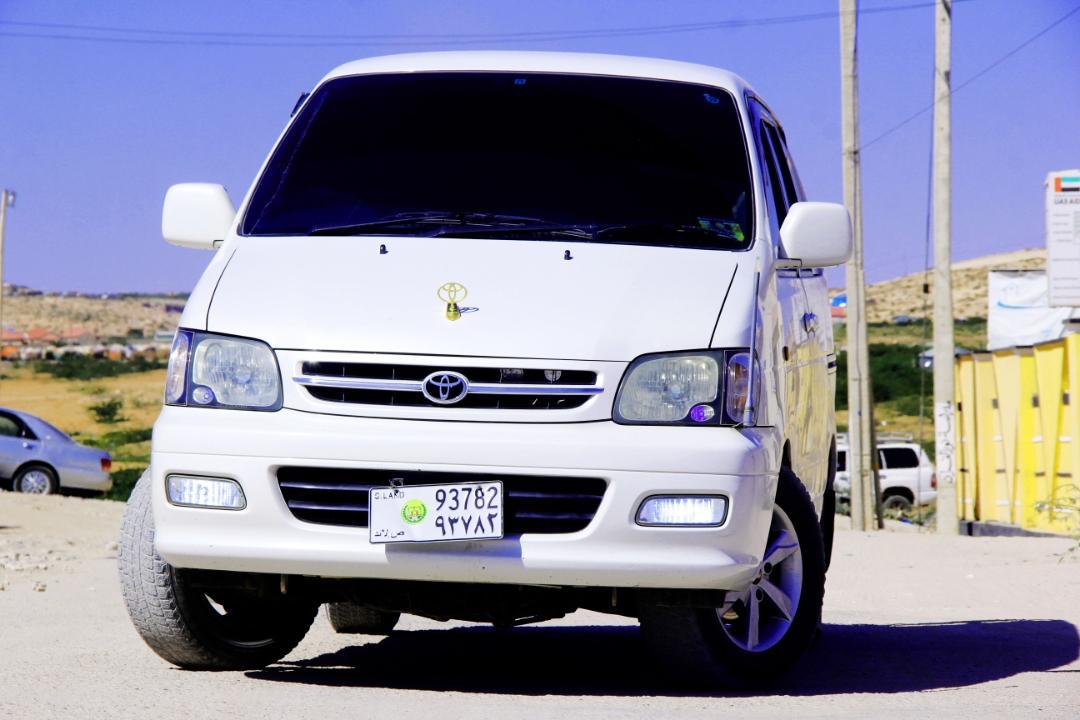 Gaadhi iib ah Toyota Noah