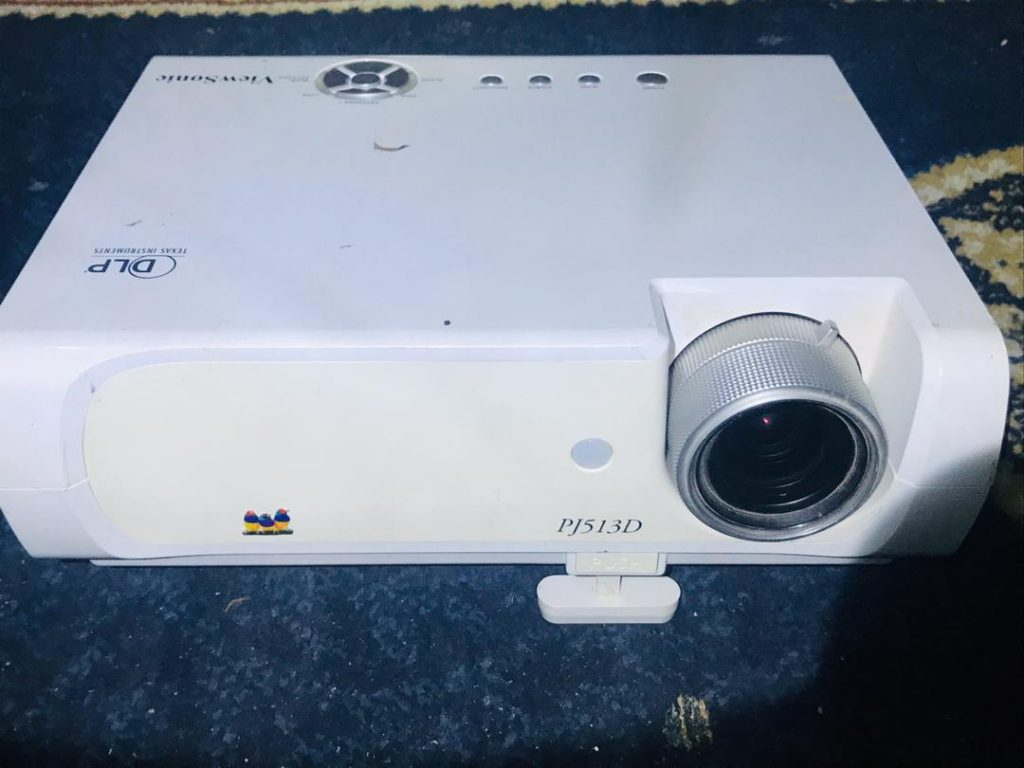Sonicview projector