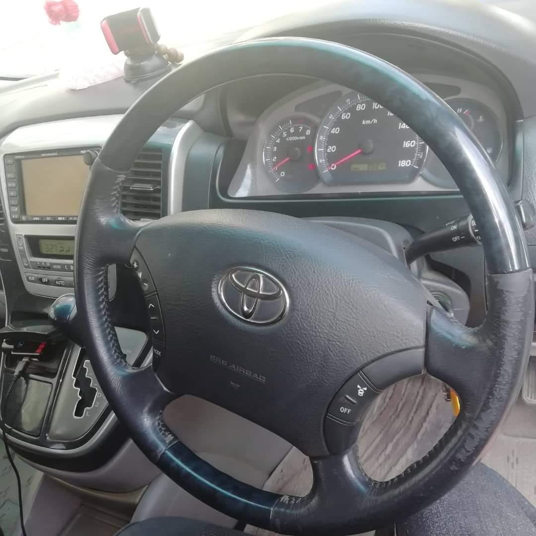 Gaadhi Toyota Alphard iib ah