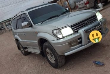 Toyota prado iib ah hargeisa /2000