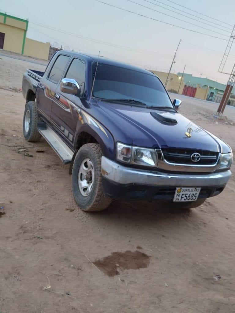 Toyota hilux pick up dual cap iib ah hargeisa