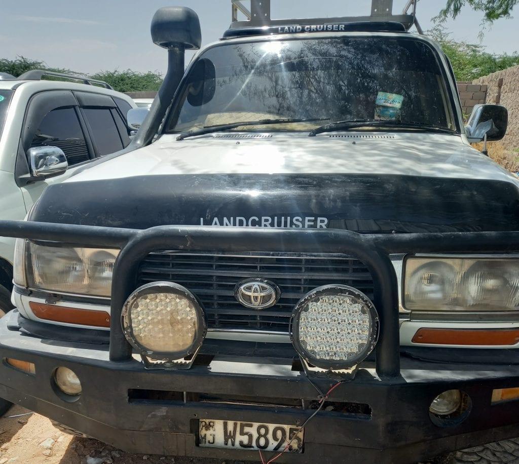 Land cruiser fican oo Nadaf ah ku so dhawoow